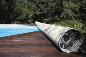 ¿Cómo elegir la cubierta de su piscina?